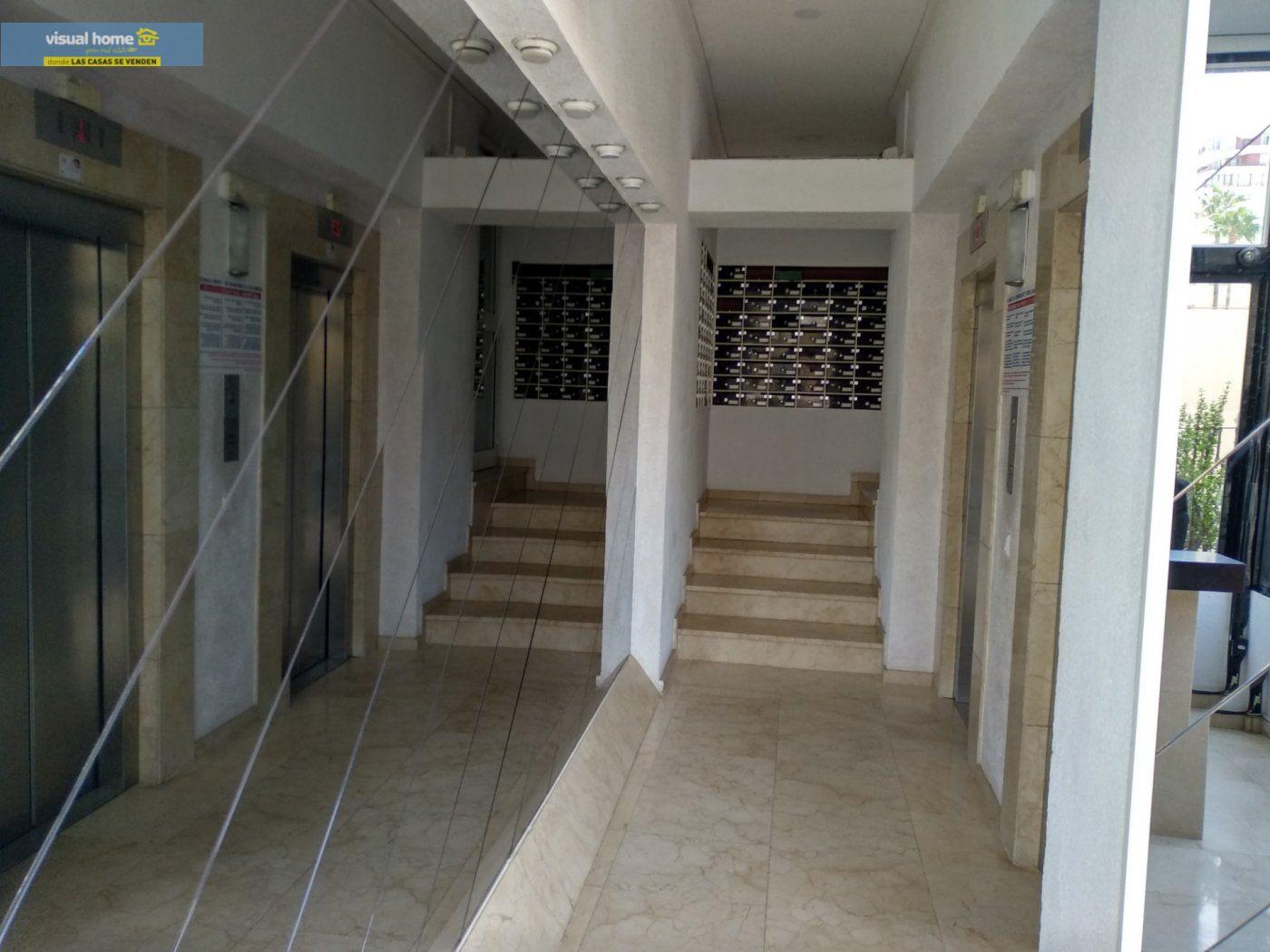 Apartamento de 1 dormitorio con espectaculares vistas  en 1ª linea de playa con parking y piscina 33
