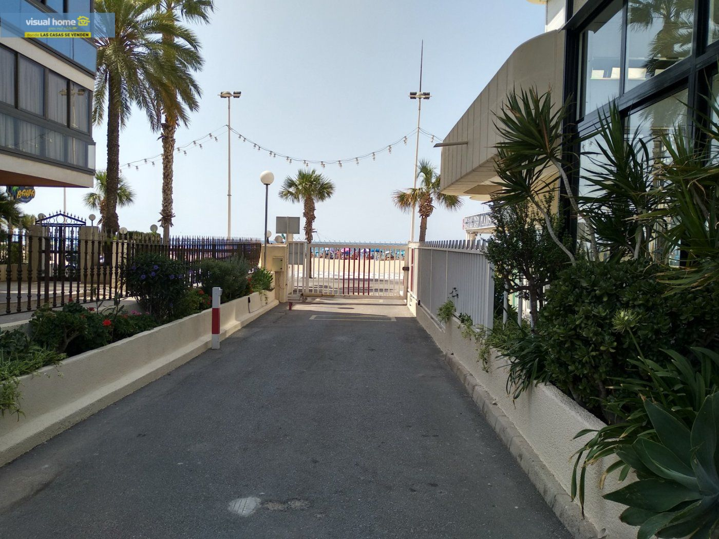 Apartamento de 1 dormitorio con espectaculares vistas  en 1ª linea de playa con parking y piscina 34