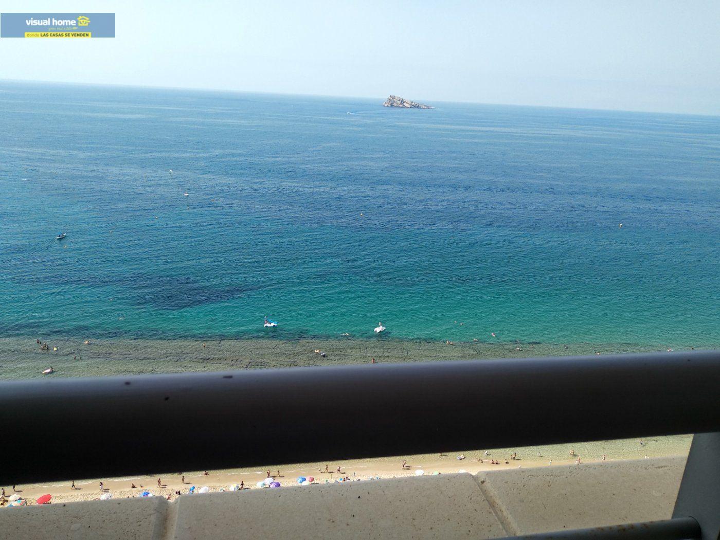 Apartamento de 1 dormitorio con espectaculares vistas  en 1ª linea de playa con parking y piscina 38