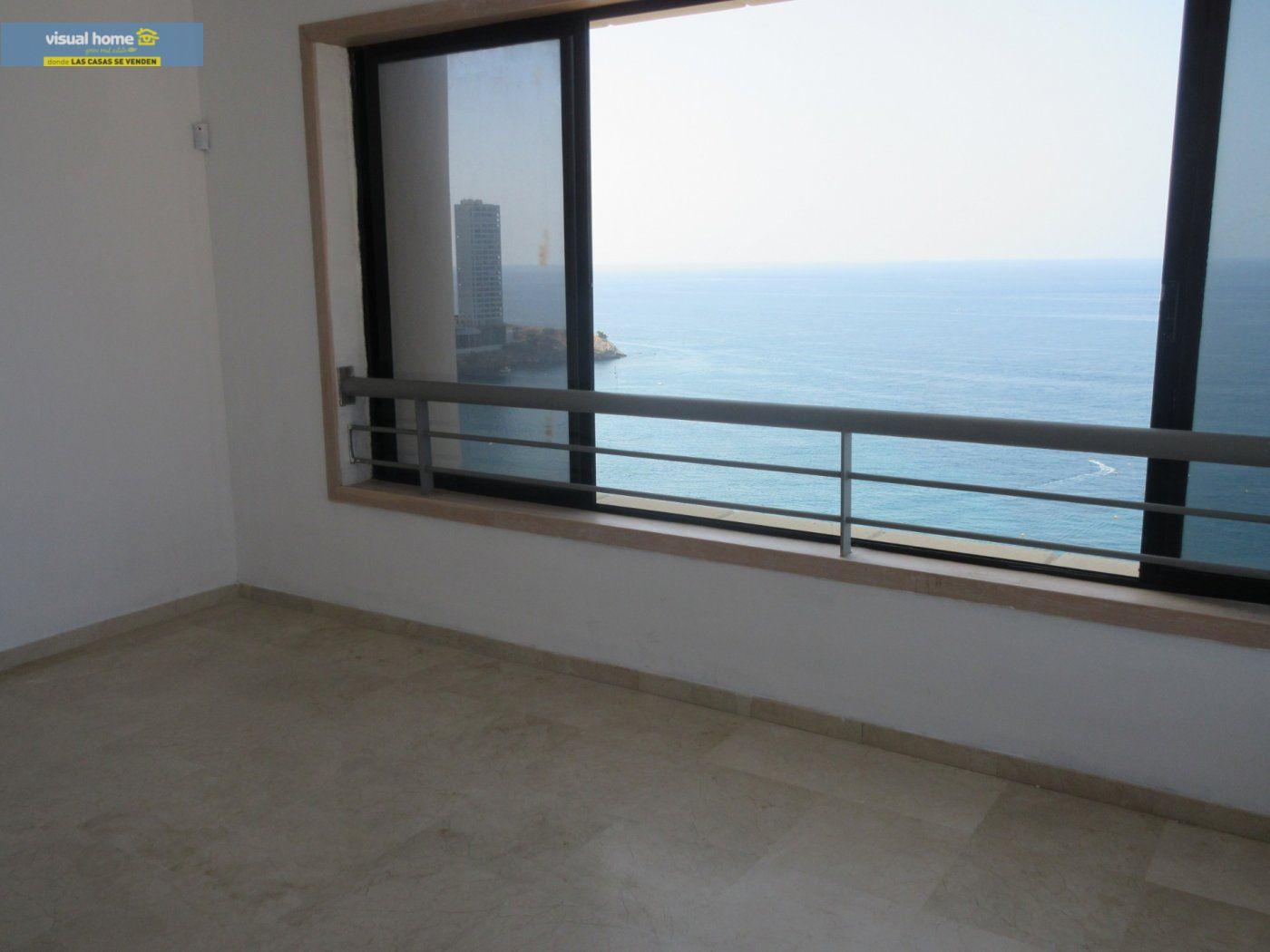 Apartamento de 1 dormitorio con espectaculares vistas  en 1ª linea de playa con parking y piscina 5