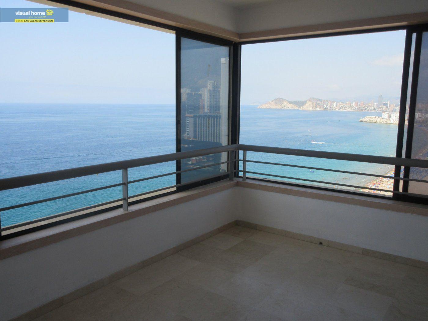 Apartamento de 1 dormitorio con espectaculares vistas  en 1ª linea de playa con parking y piscina 6