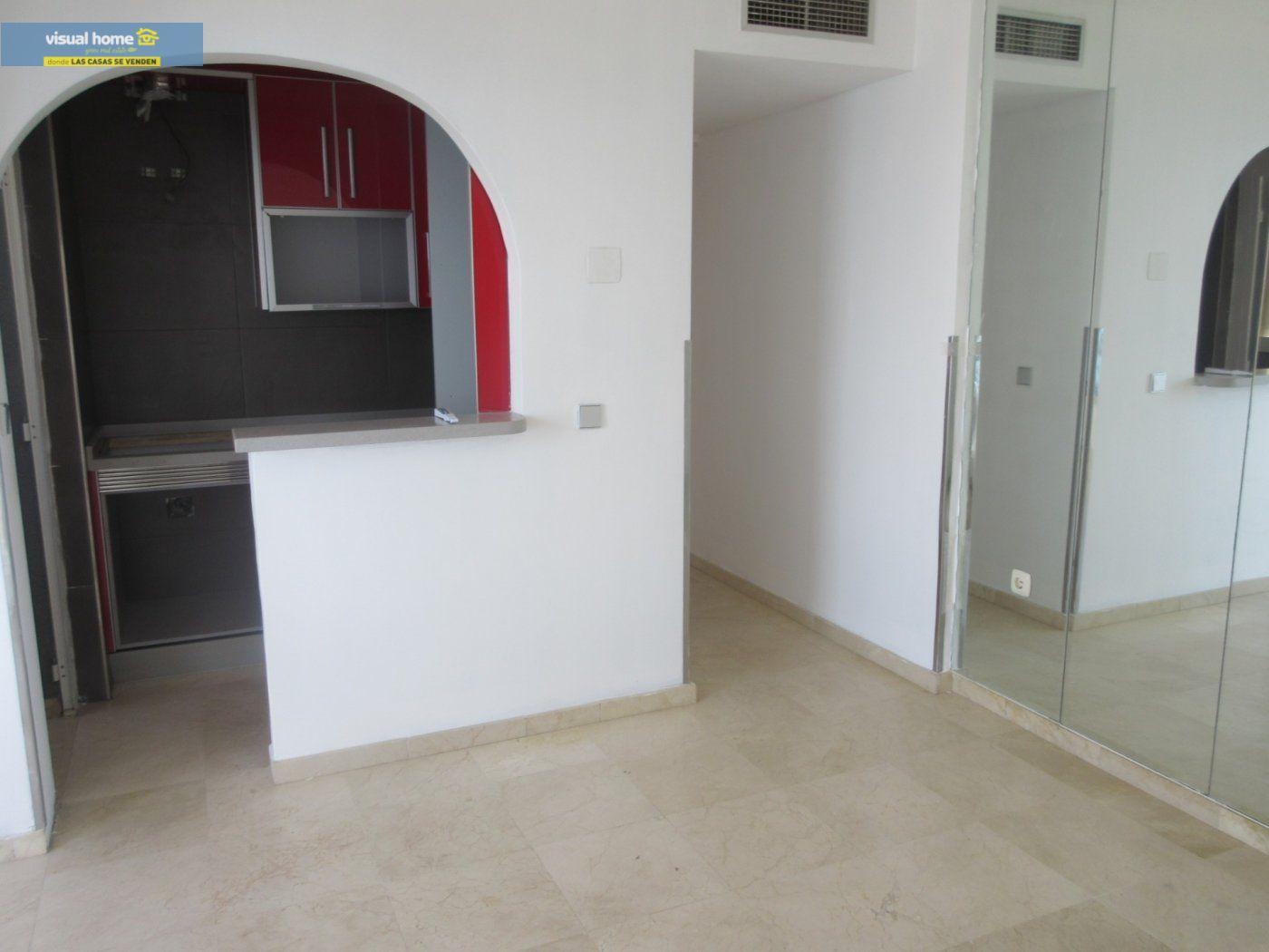 Apartamento de 1 dormitorio con espectaculares vistas  en 1ª linea de playa con parking y piscina 7