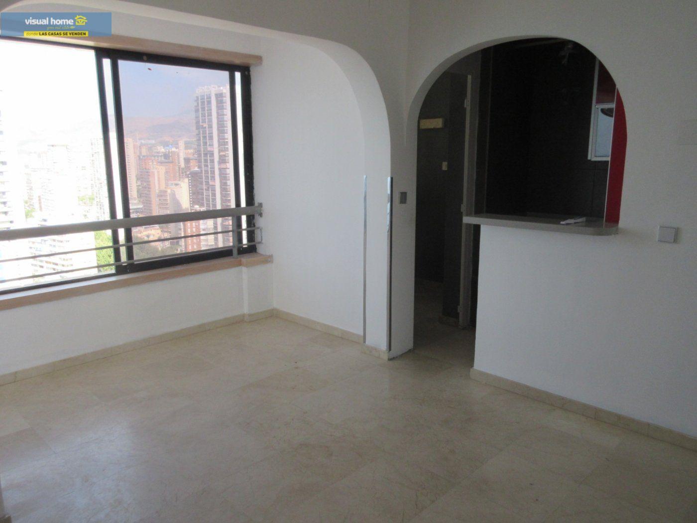 Apartamento de 1 dormitorio con espectaculares vistas  en 1ª linea de playa con parking y piscina 8