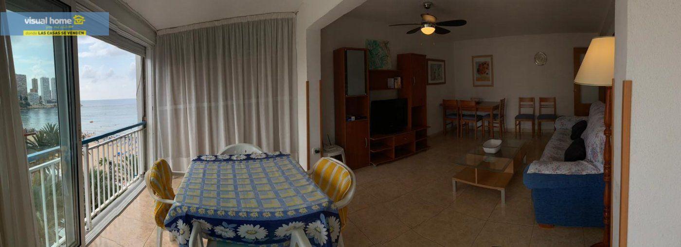 Espectacular apartamento de 2 dormitorios, 2 baños con parking en 1ª línea playa de Levante 15