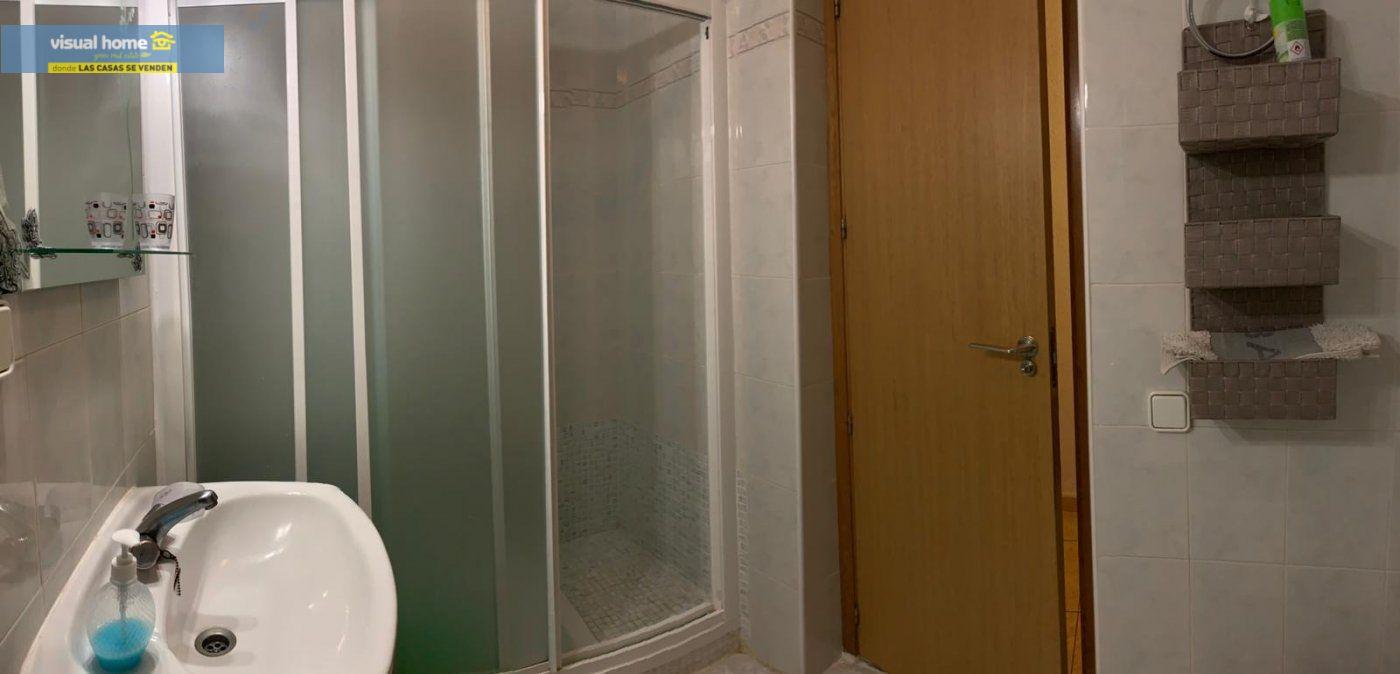 Espectacular apartamento de 2 dormitorios, 2 baños con parking en 1ª línea playa de Levante 16