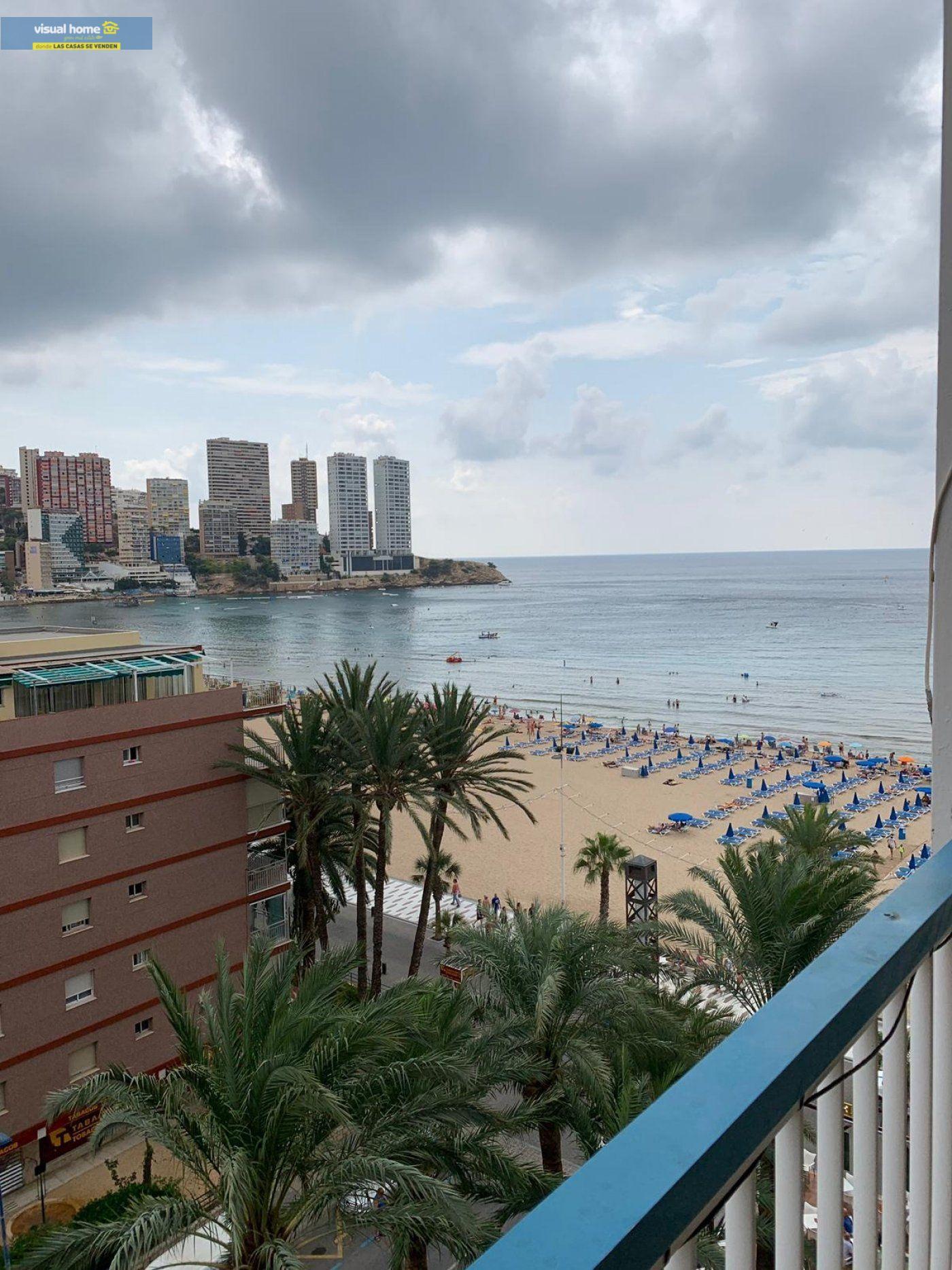 Espectacular apartamento de 2 dormitorios, 2 baños con parking en 1ª línea playa de Levante 1