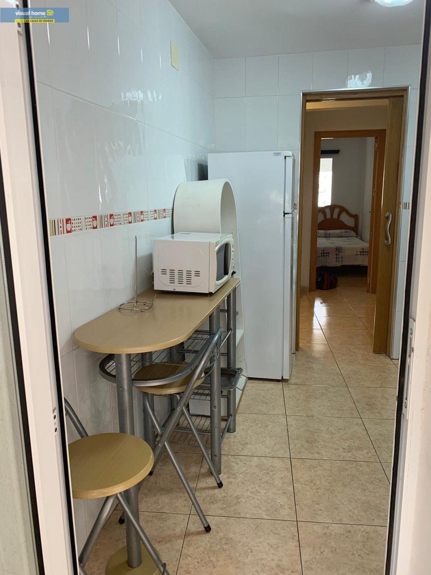Espectacular apartamento de 2 dormitorios, 2 baños con parking en 1ª línea playa de Levante 31