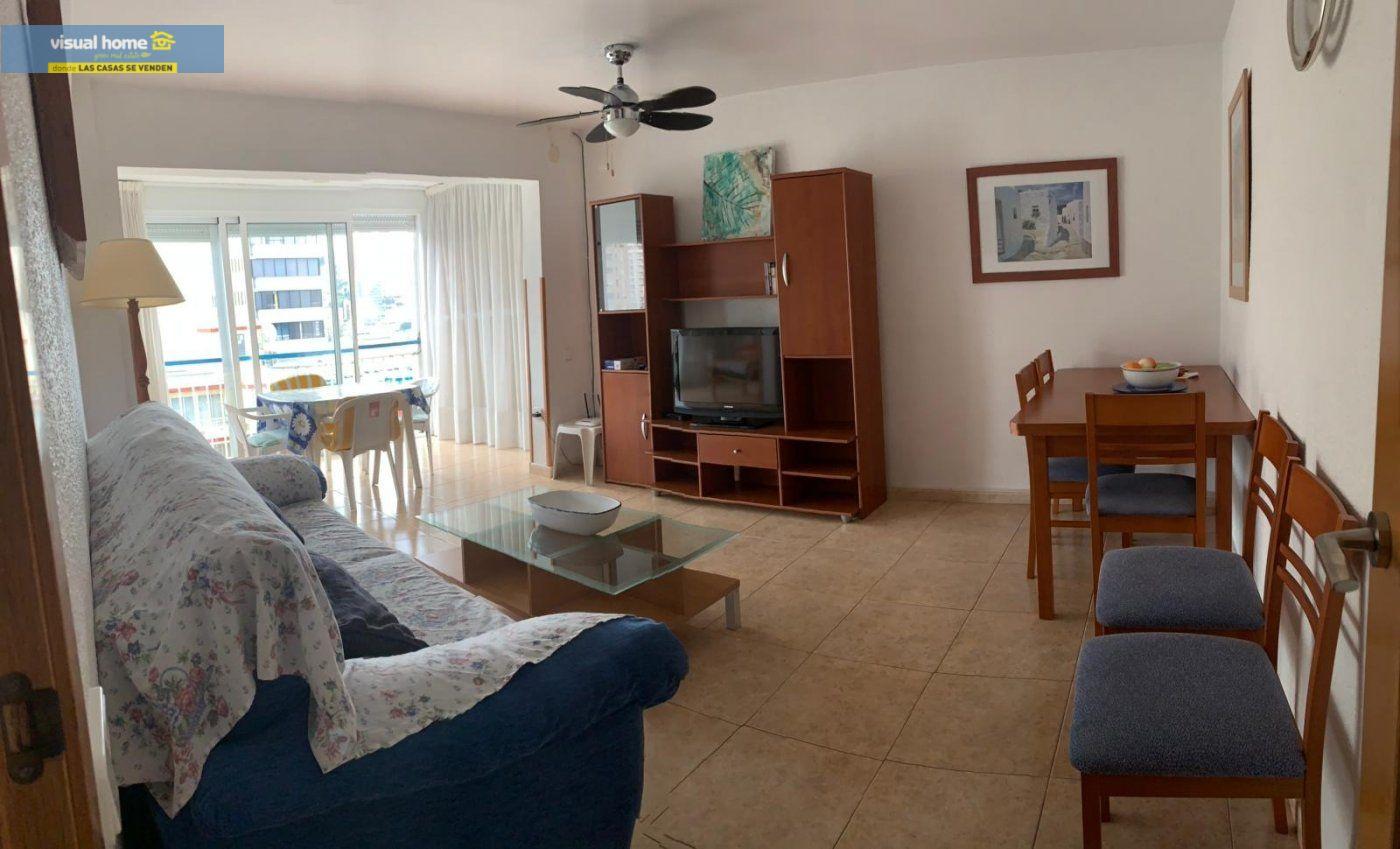 Espectacular apartamento de 2 dormitorios, 2 baños con parking en 1ª línea playa de Levante 32