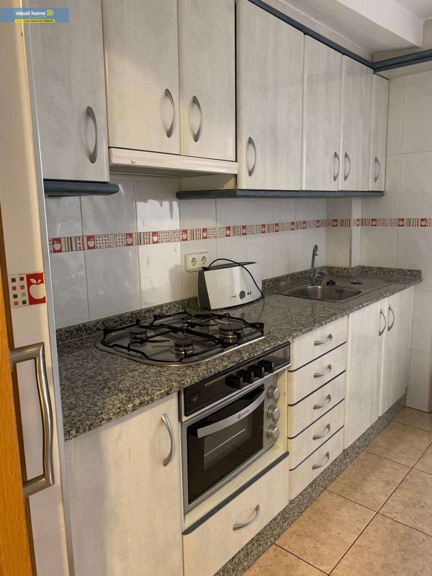 Espectacular apartamento de 2 dormitorios, 2 baños con parking en 1ª línea playa de Levante 6