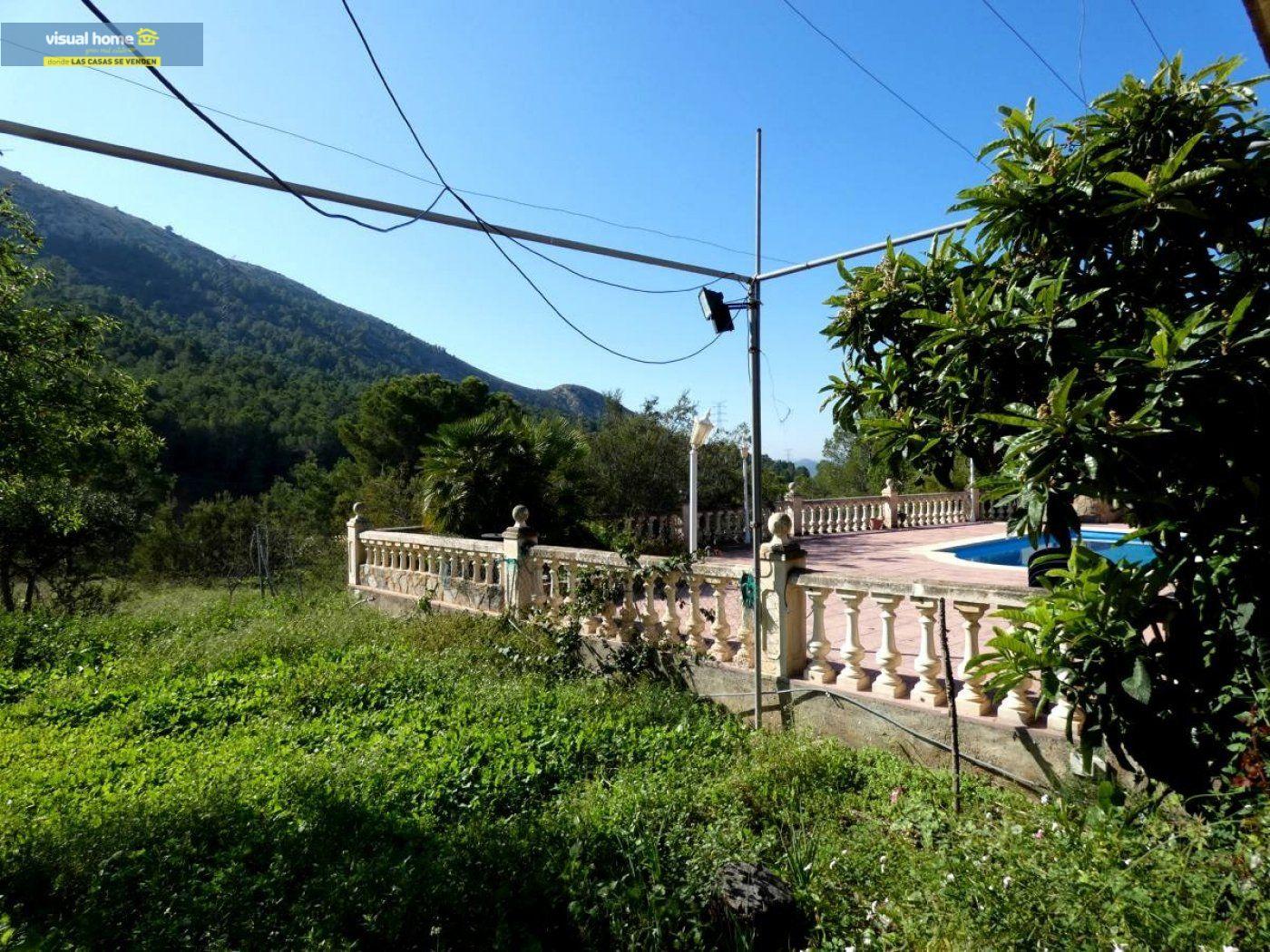 Chalet independiente muy cerca de Benidorm y de todos los servicios situado en un lugar de ensueño 79