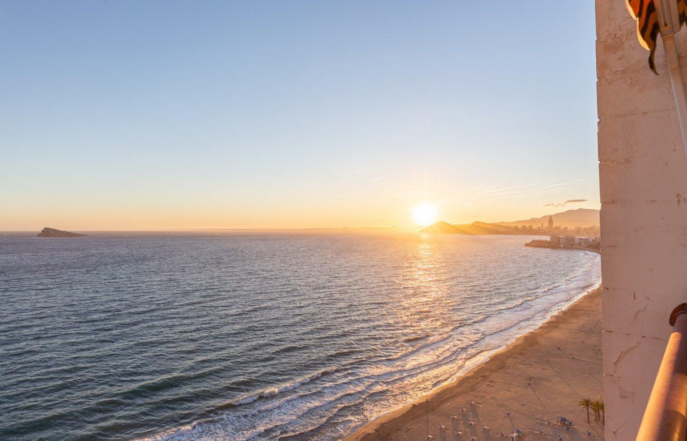 Espectacular apartamento en 1ª línea de Playa Levante  con increíbles vistas al mar 19