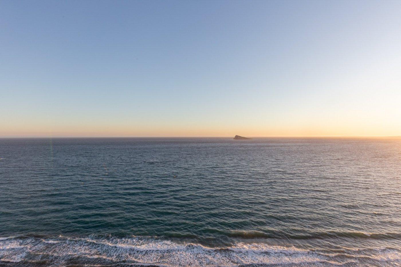 Espectacular apartamento en 1ª línea de Playa Levante  con increíbles vistas al mar 23