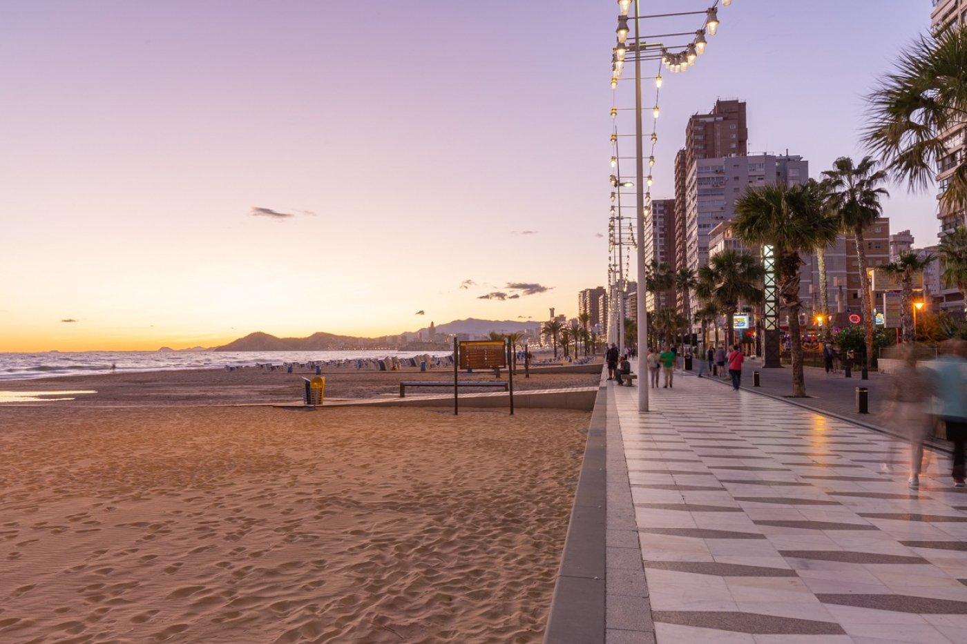 Espectacular apartamento en 1ª línea de Playa Levante  con increíbles vistas al mar 29