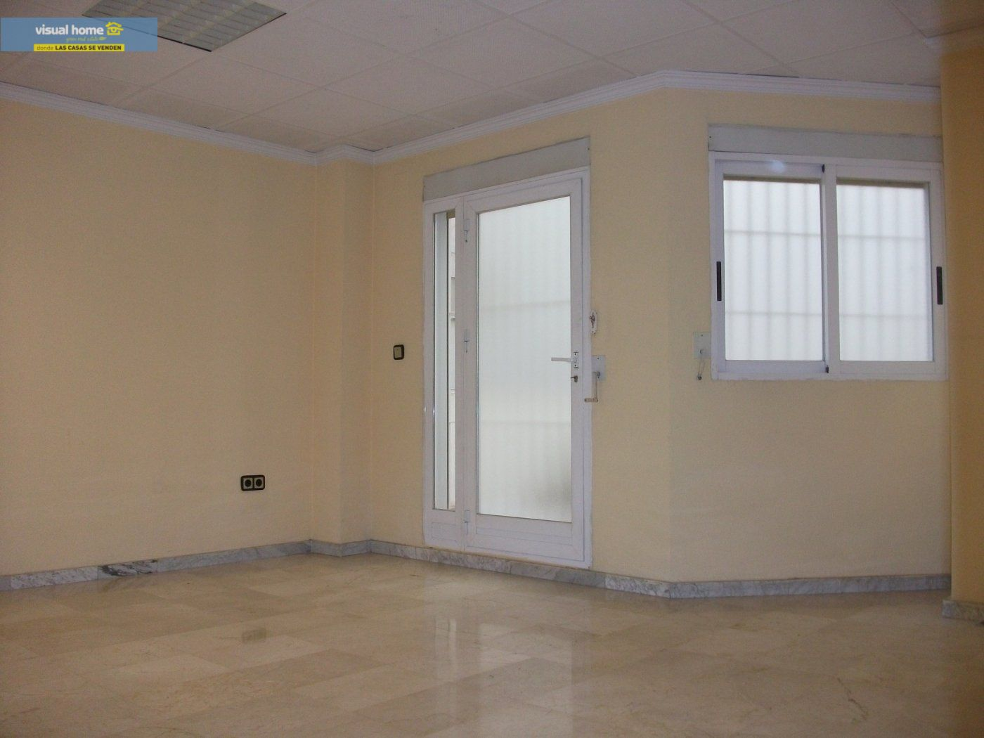 Local comercial en Benidorm zona Colonia Madrid de 93 m²