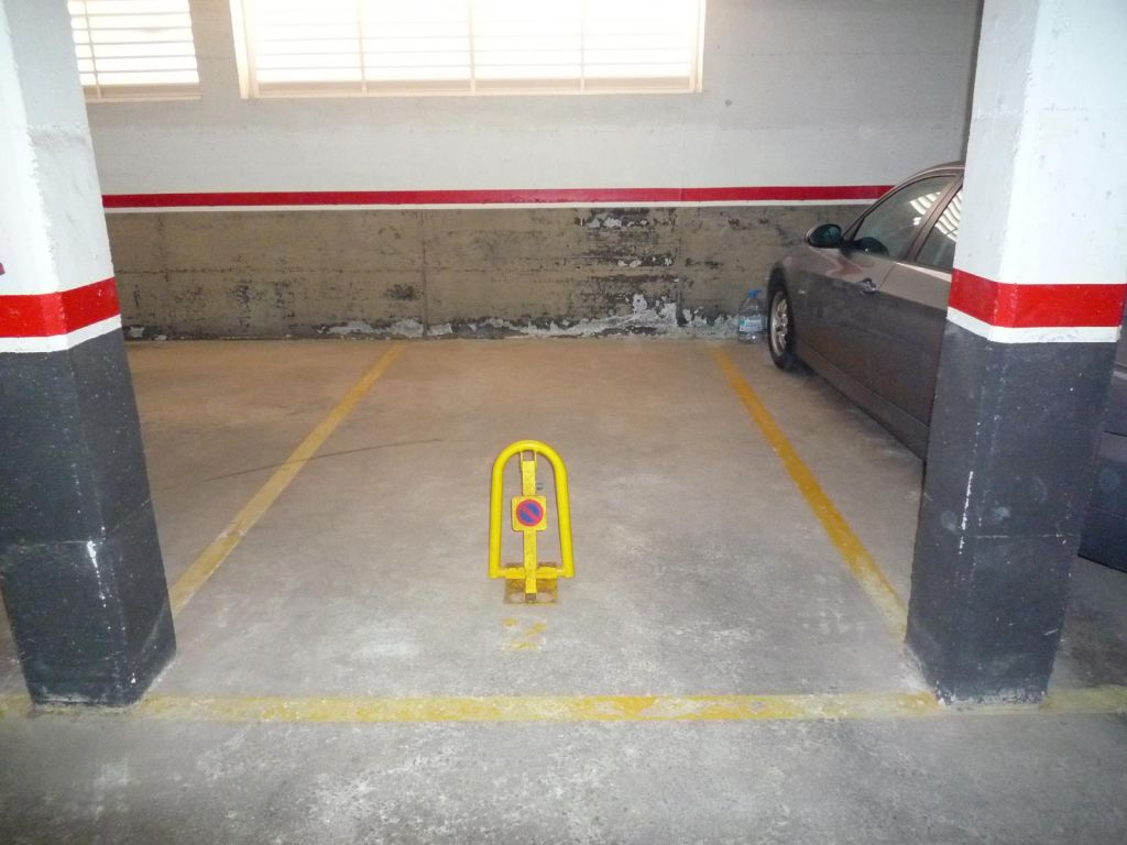 PLAZA DE PARKING EN L'ESTANY