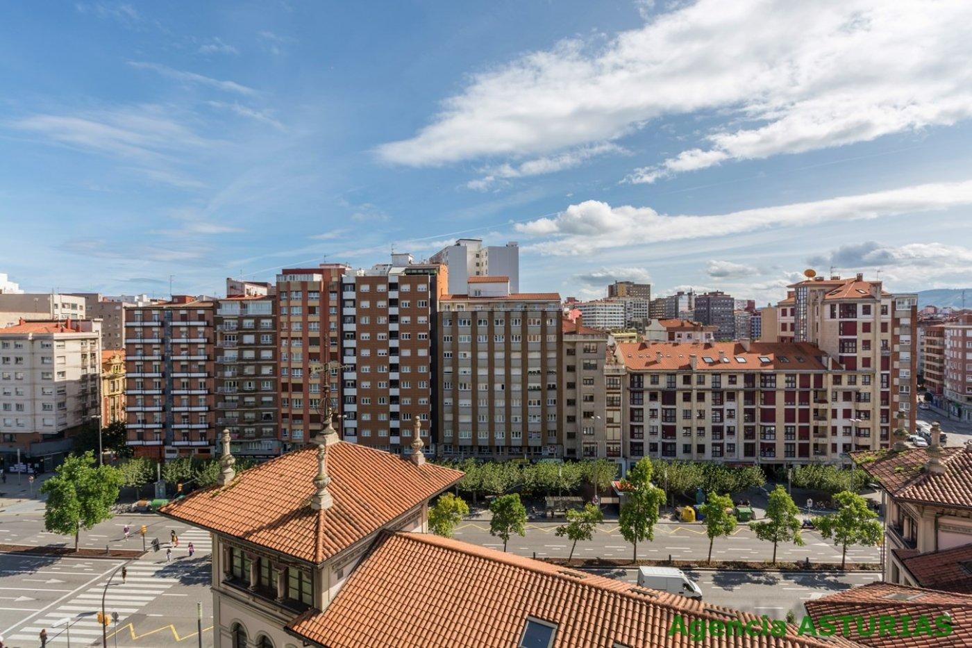 A un minuto de la calle corrida, con altura, cuatro terrazas y reformado - imagenInmueble0