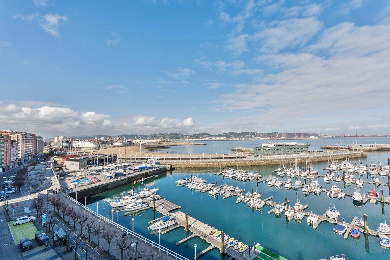 Las mejores vistas al puerto deportivo y la playa de poniente - imagenInmueble32