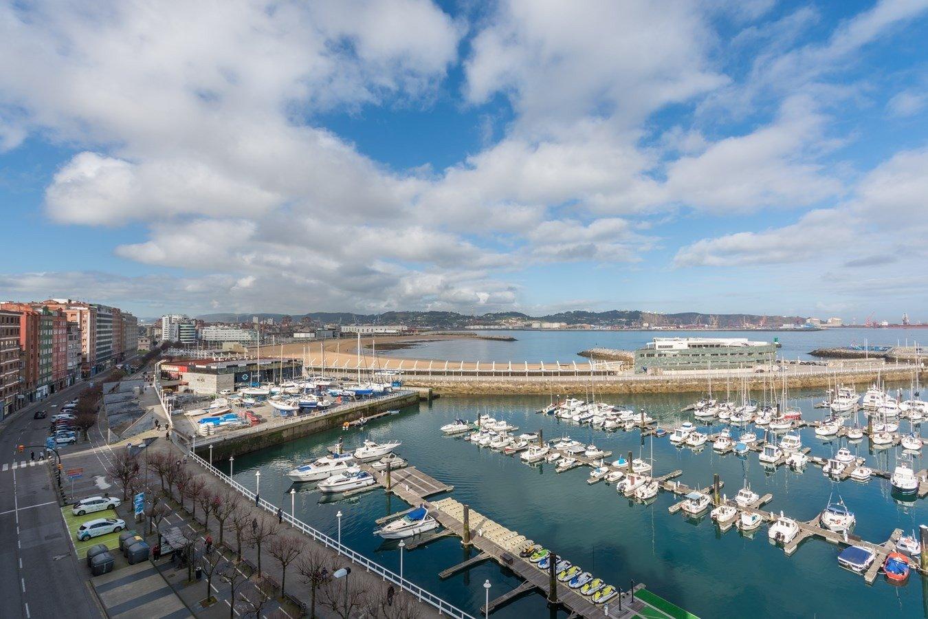 Las mejores vistas al puerto deportivo y la playa de poniente - imagenInmueble33