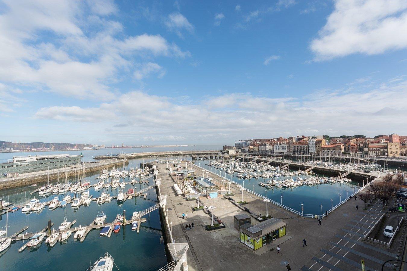Las mejores vistas al puerto deportivo y la playa de poniente - imagenInmueble34