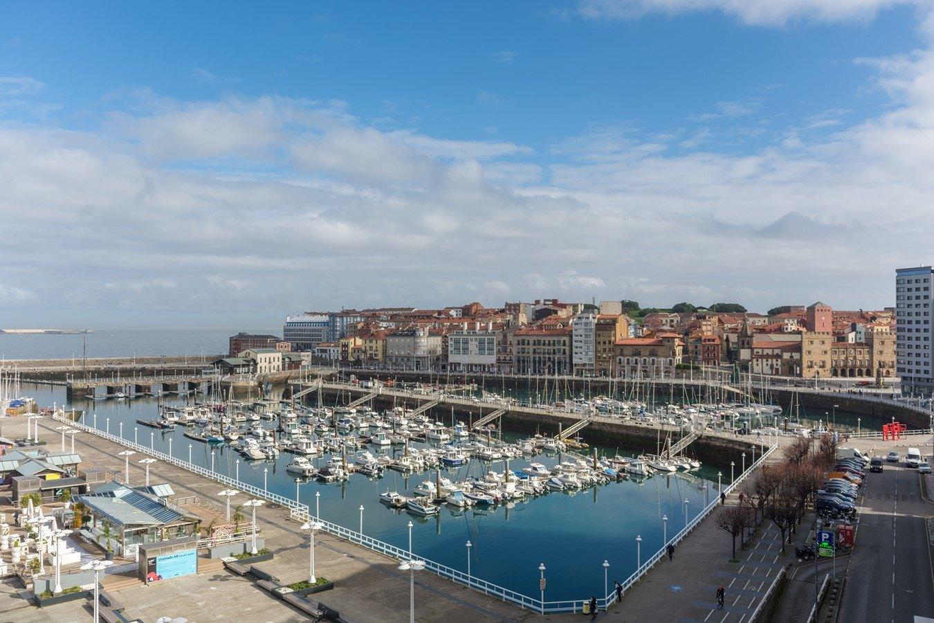Las mejores vistas al puerto deportivo y la playa de poniente - imagenInmueble35