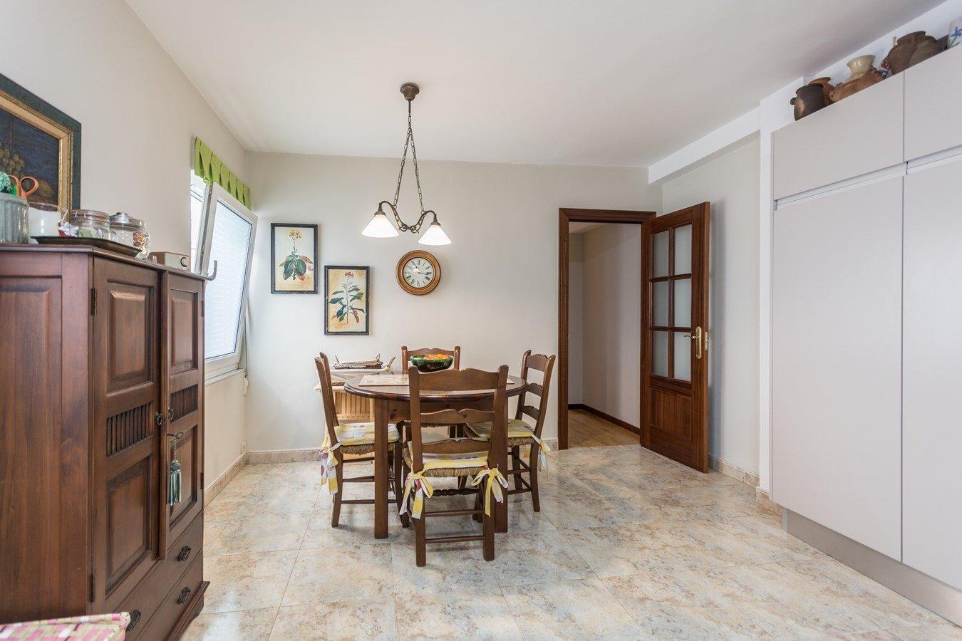 Precioso piso en cimadevilla, vistas laterales al mar - imagenInmueble10