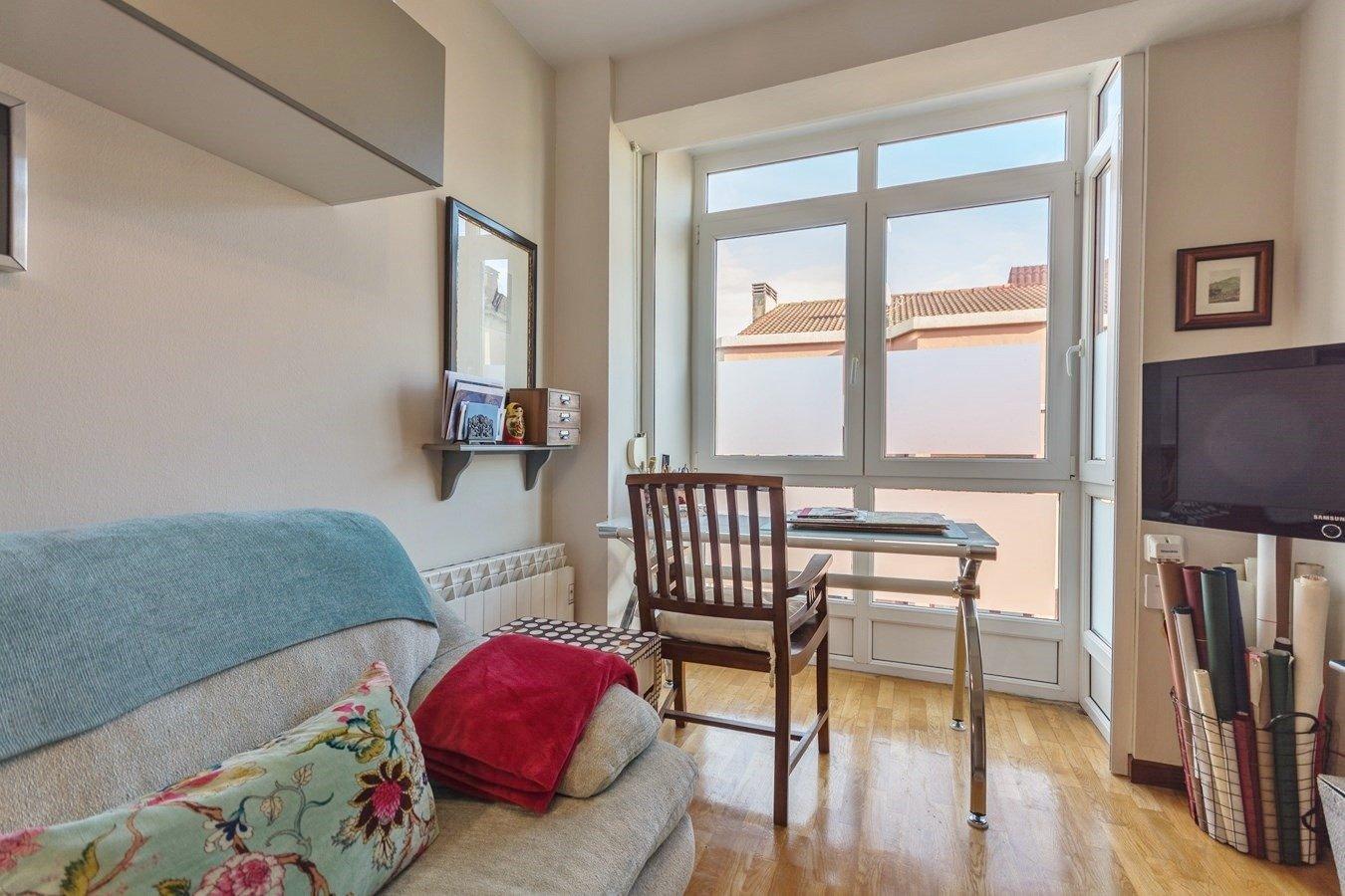 Precioso piso en cimadevilla, vistas laterales al mar - imagenInmueble27