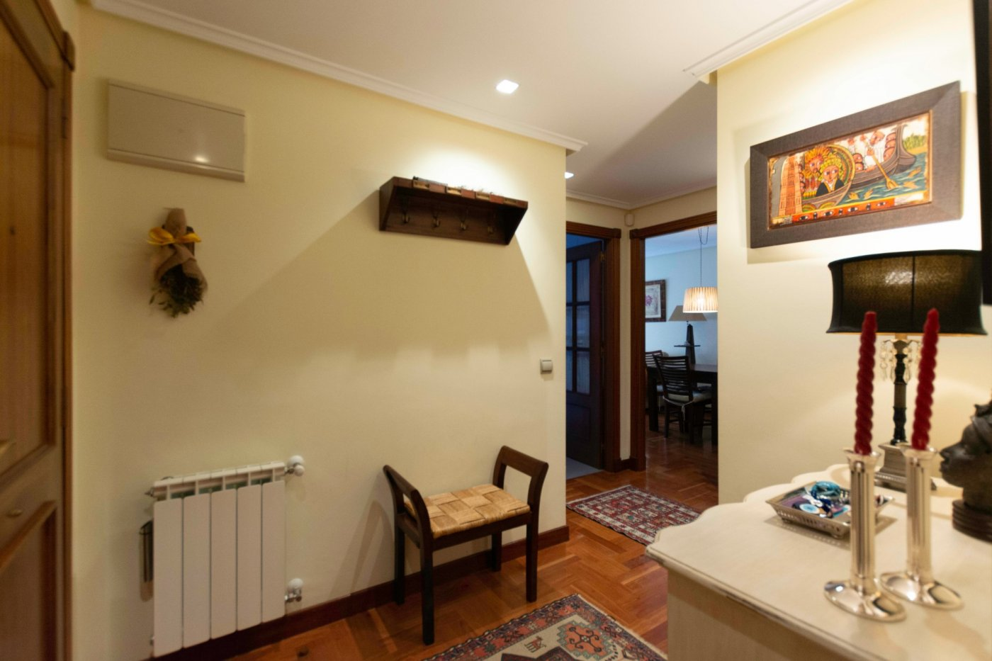 Piso seminuevo de tres habitaciones con garaje y trastero en el centro de oviedo. - imagenInmueble19