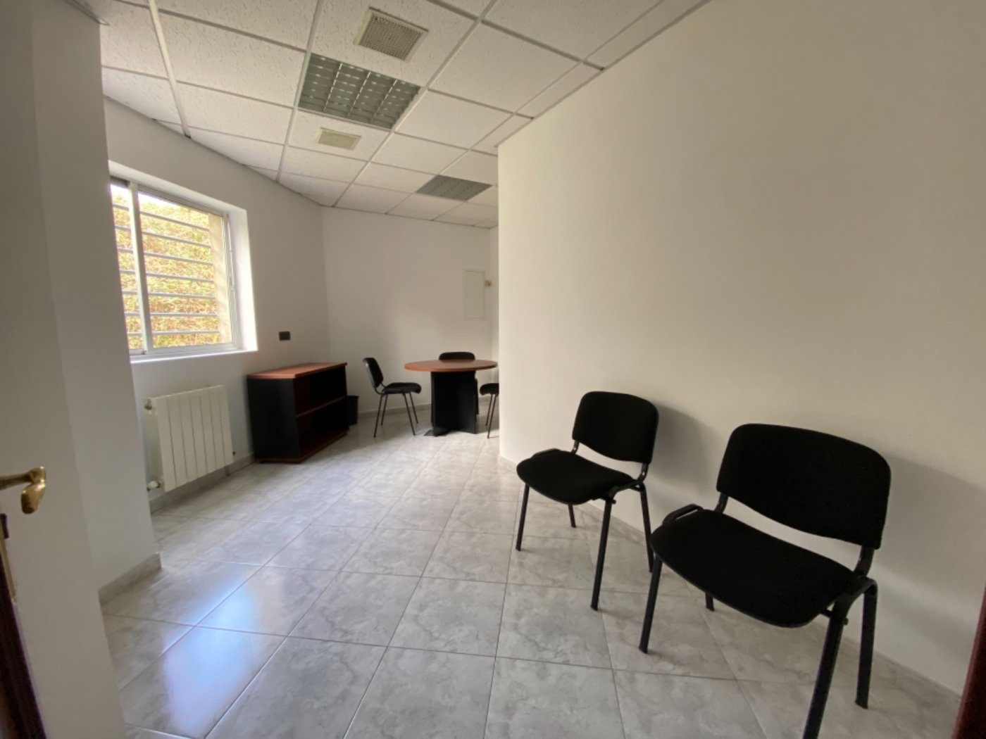 Nave con terreno y oficinas en falmuria - imagenInmueble12