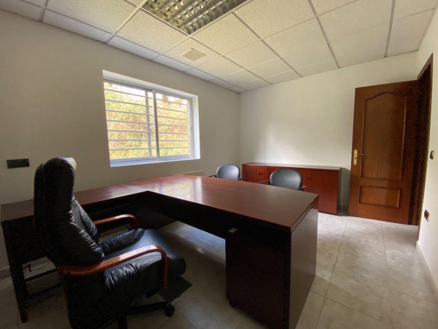 Nave con terreno y oficinas en falmuria - imagenInmueble13