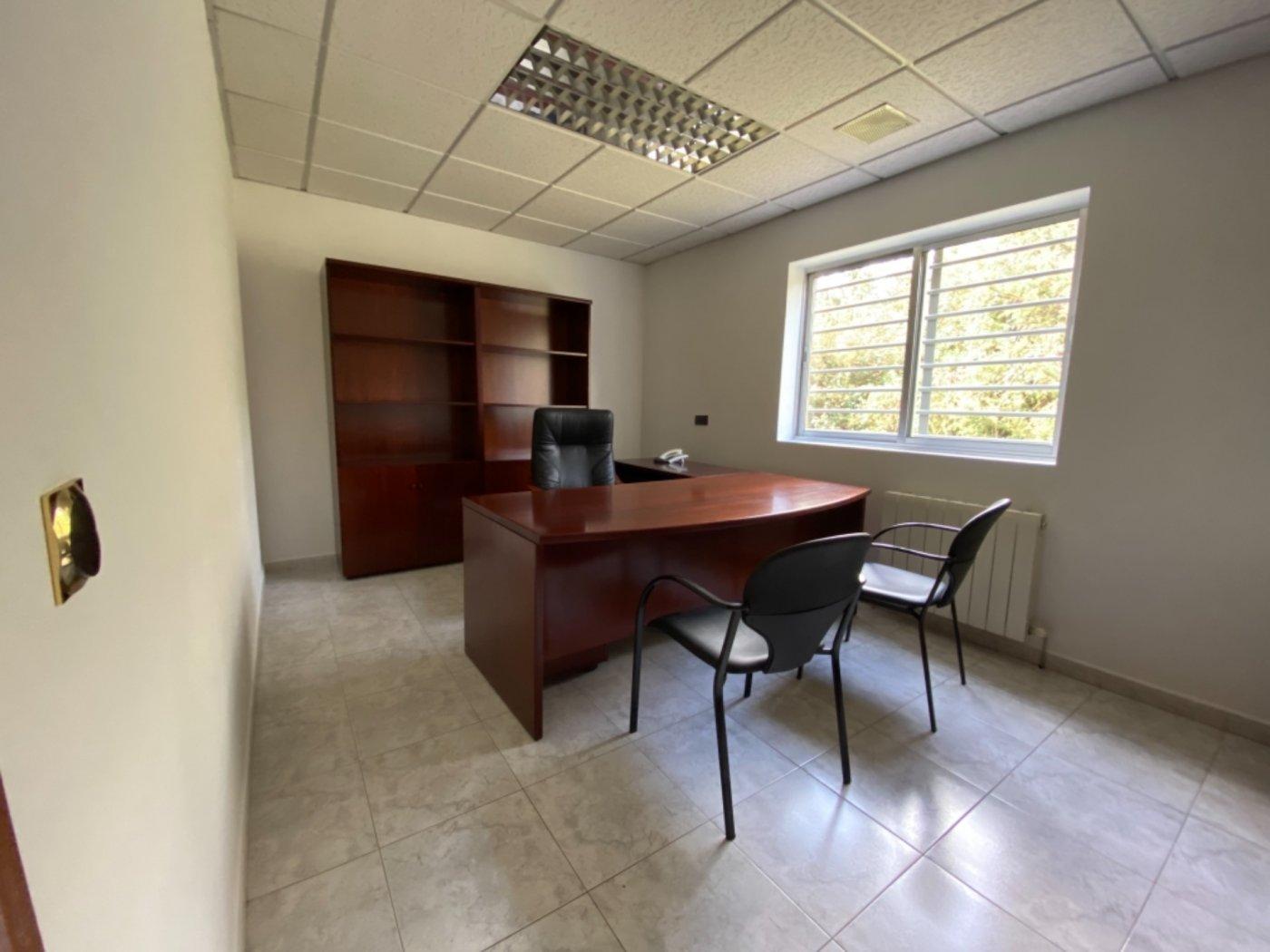 Nave con terreno y oficinas en falmuria - imagenInmueble14
