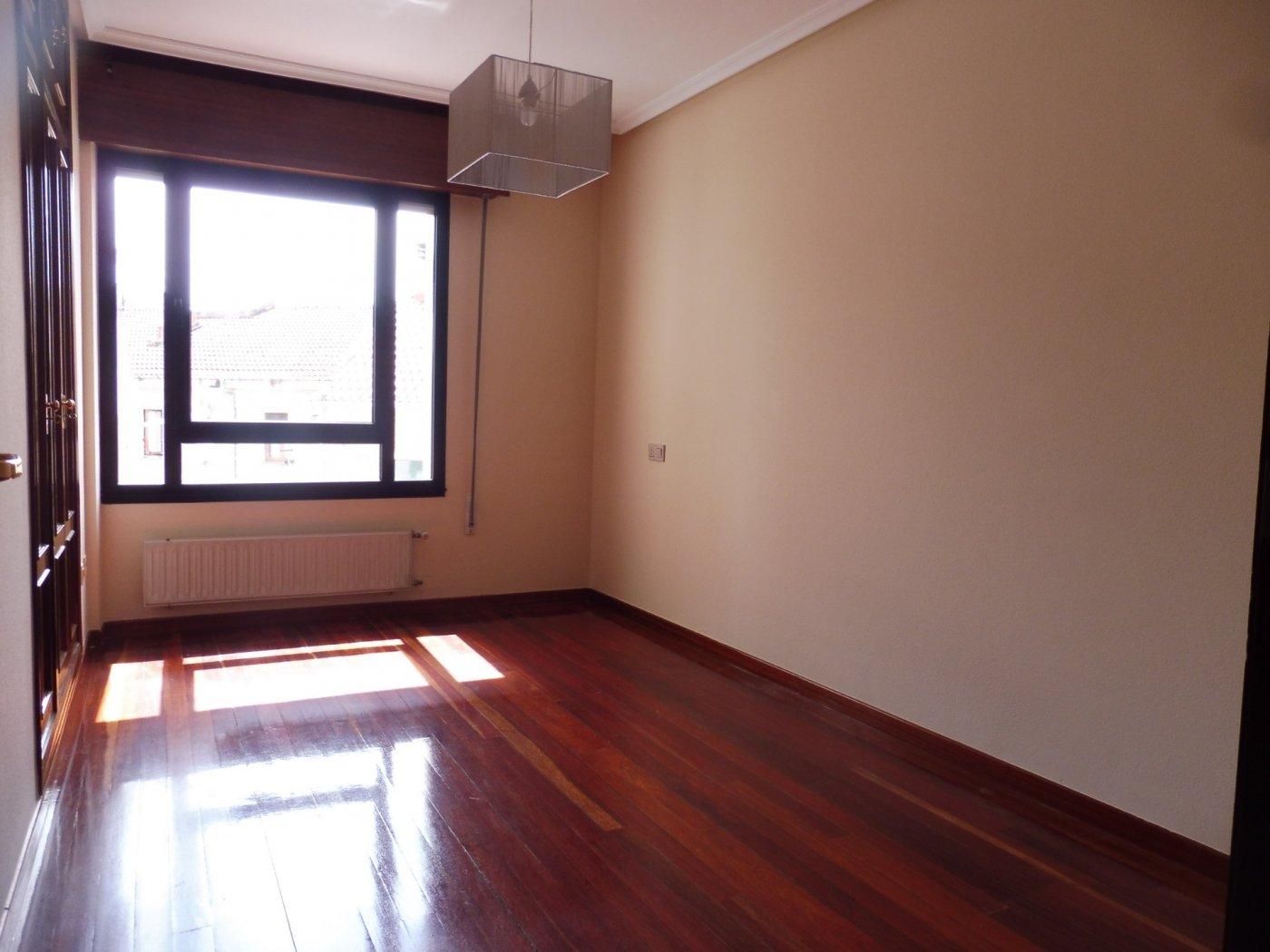 Amplio piso al lado del paseo de begoña - imagenInmueble12