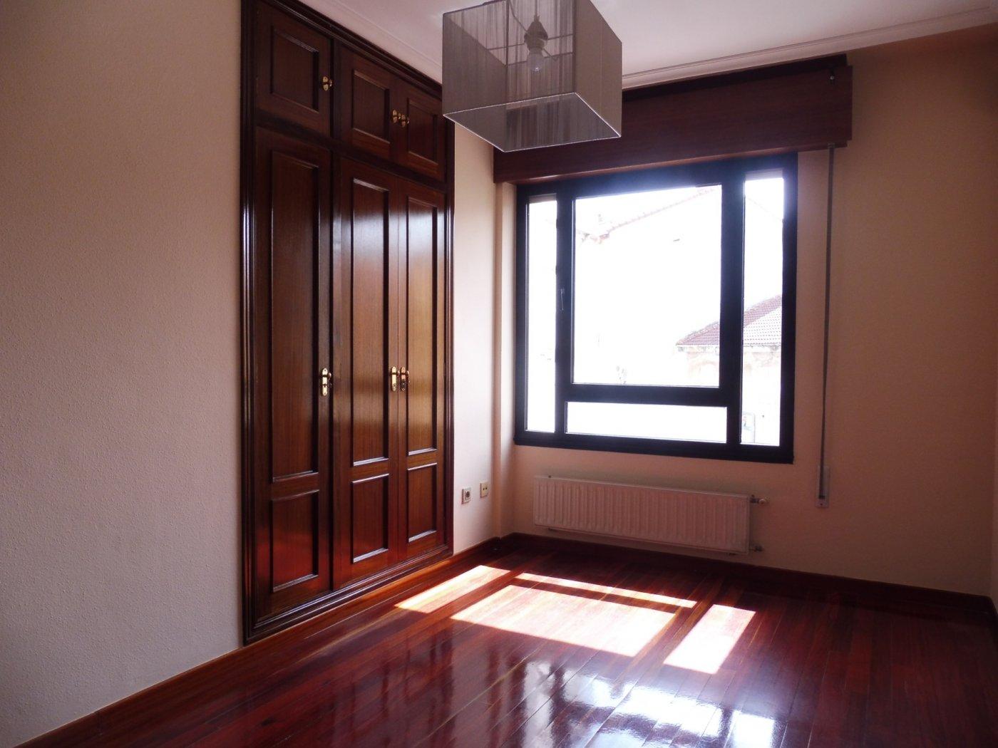 Amplio piso al lado del paseo de begoña - imagenInmueble13