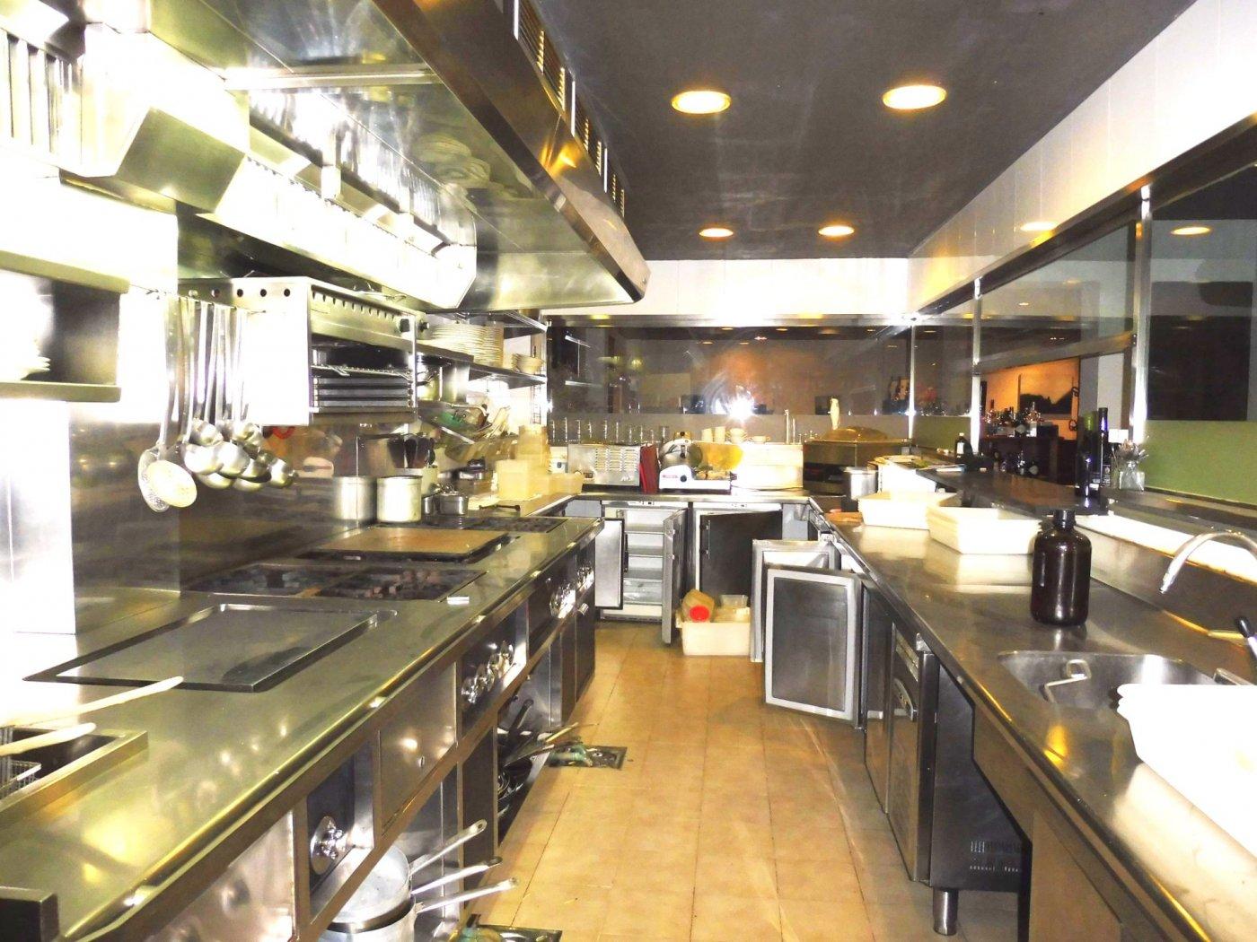 Local restaurante totalmente instalado en posada. - imagenInmueble2
