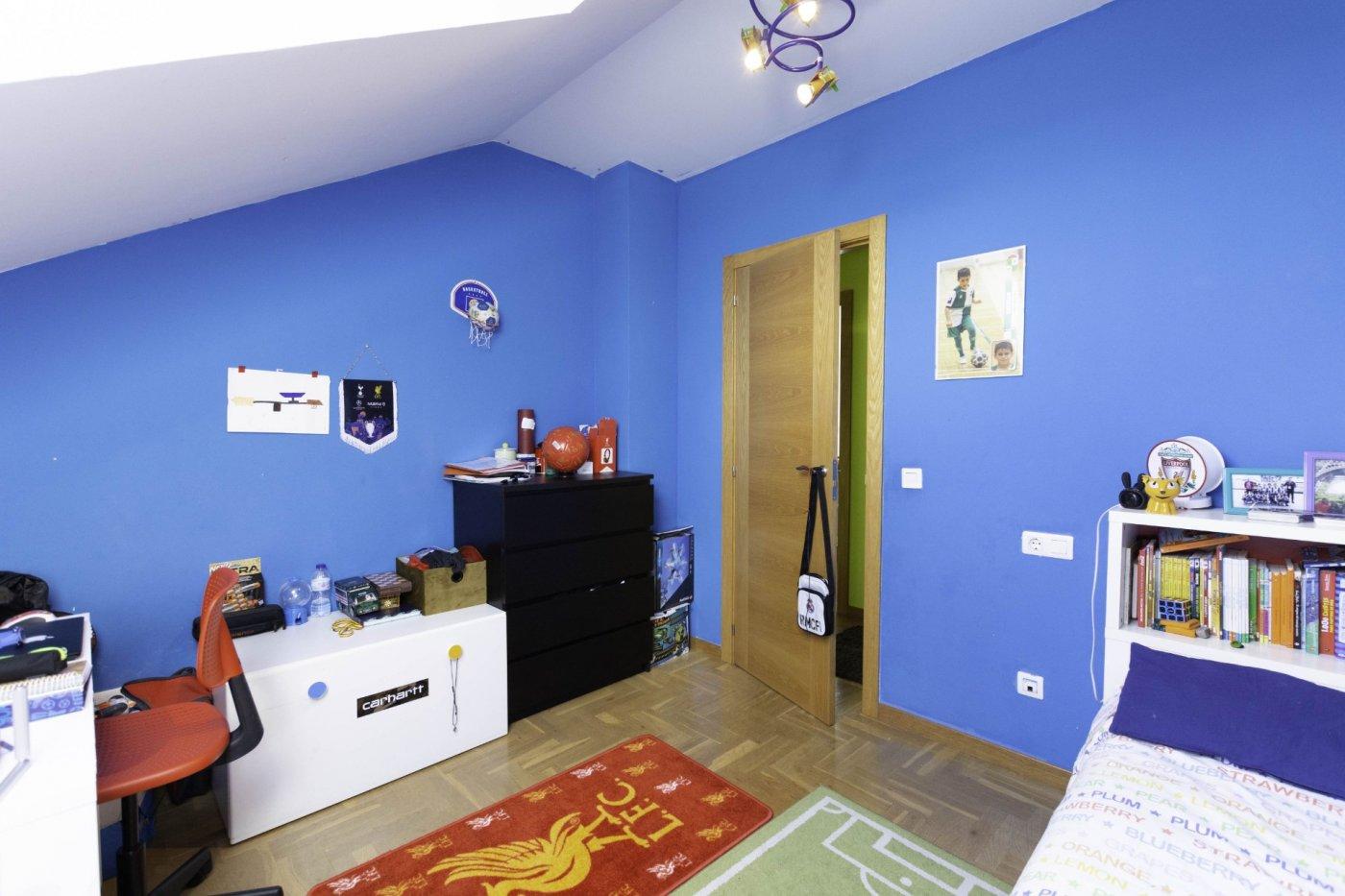 Ático con terraza de 11 m2, a 2 km de salinas - imagenInmueble16