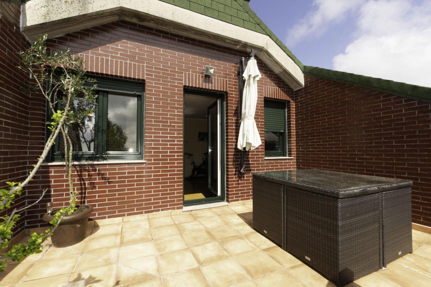 Ático con terraza de 11 m2, a 2 km de salinas - imagenInmueble1