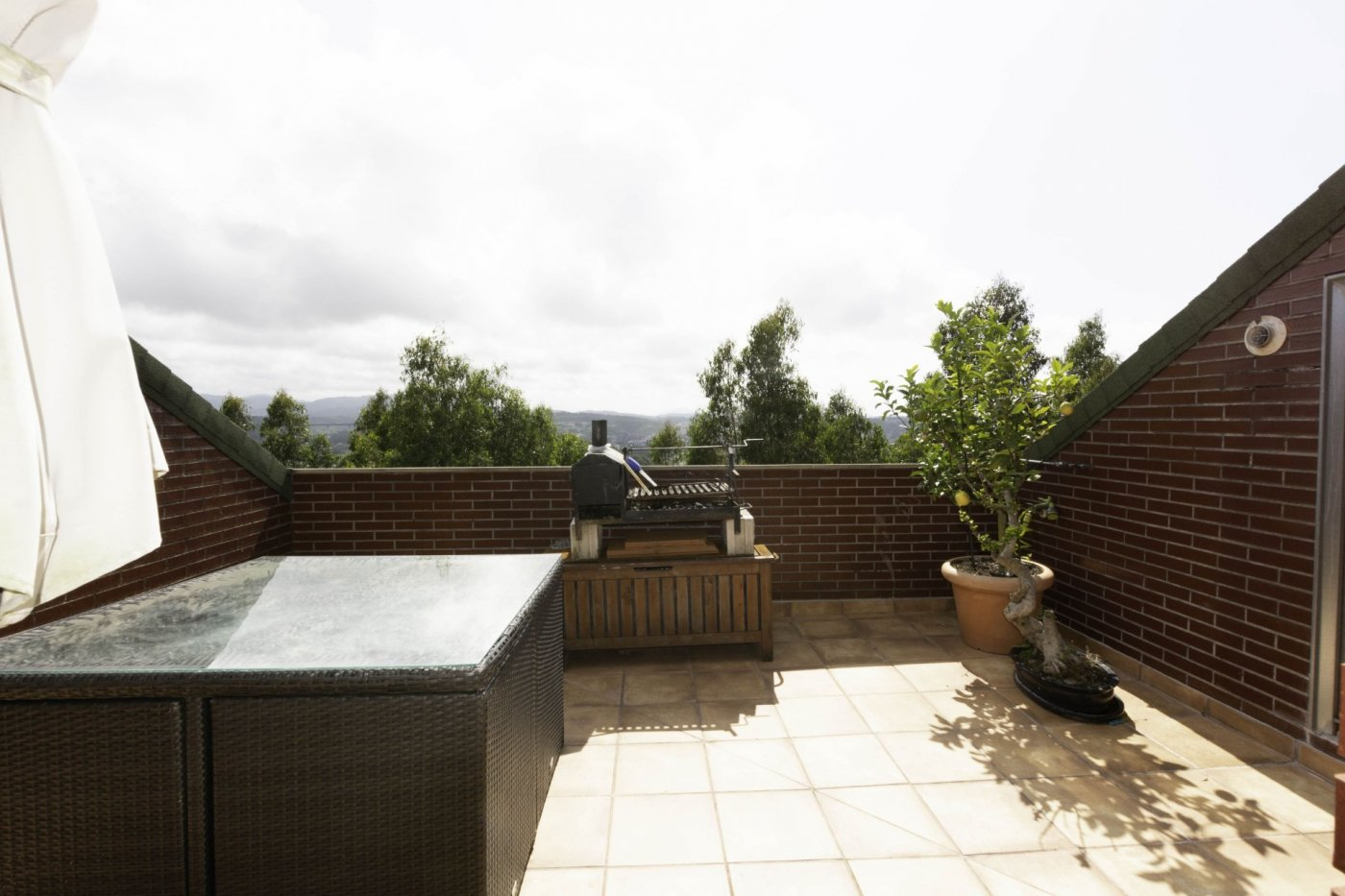 Ático con terraza de 11 m2, a 2 km de salinas - imagenInmueble2