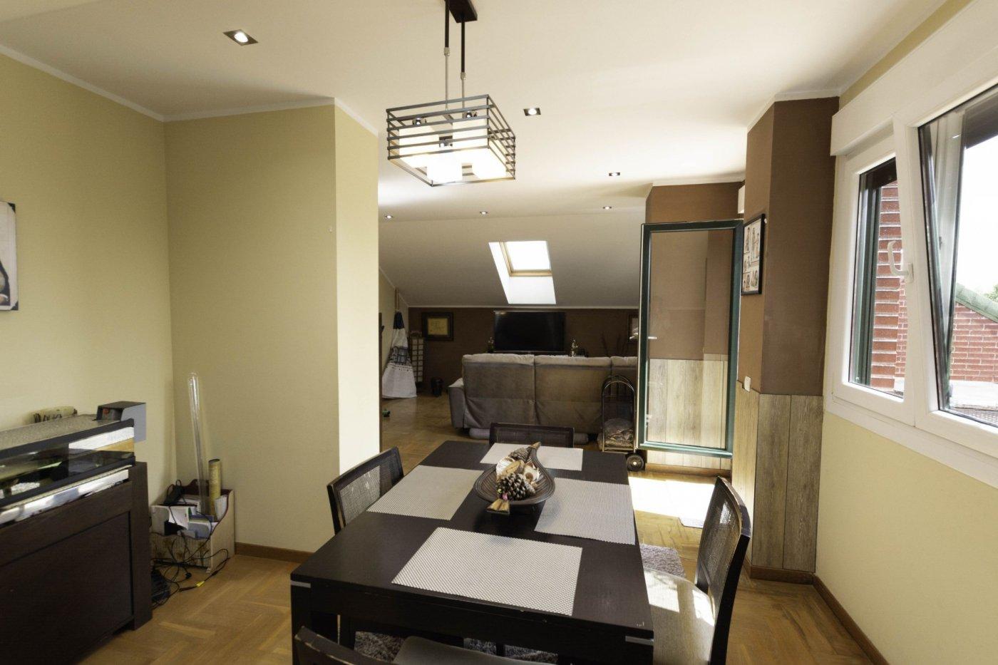 Ático con terraza de 11 m2, a 2 km de salinas - imagenInmueble6