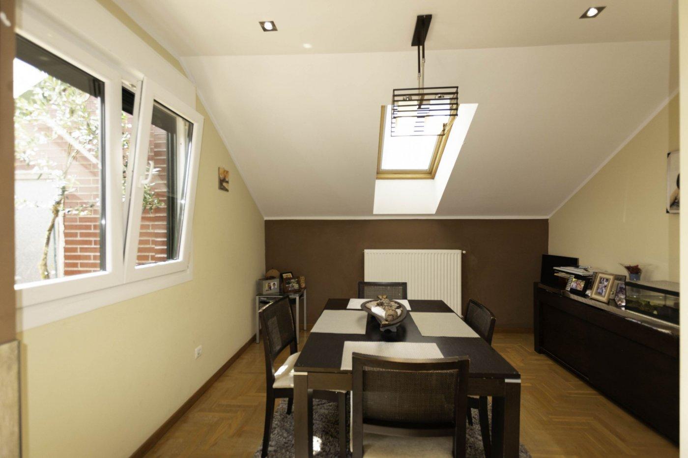 Ático con terraza de 11 m2, a 2 km de salinas - imagenInmueble7