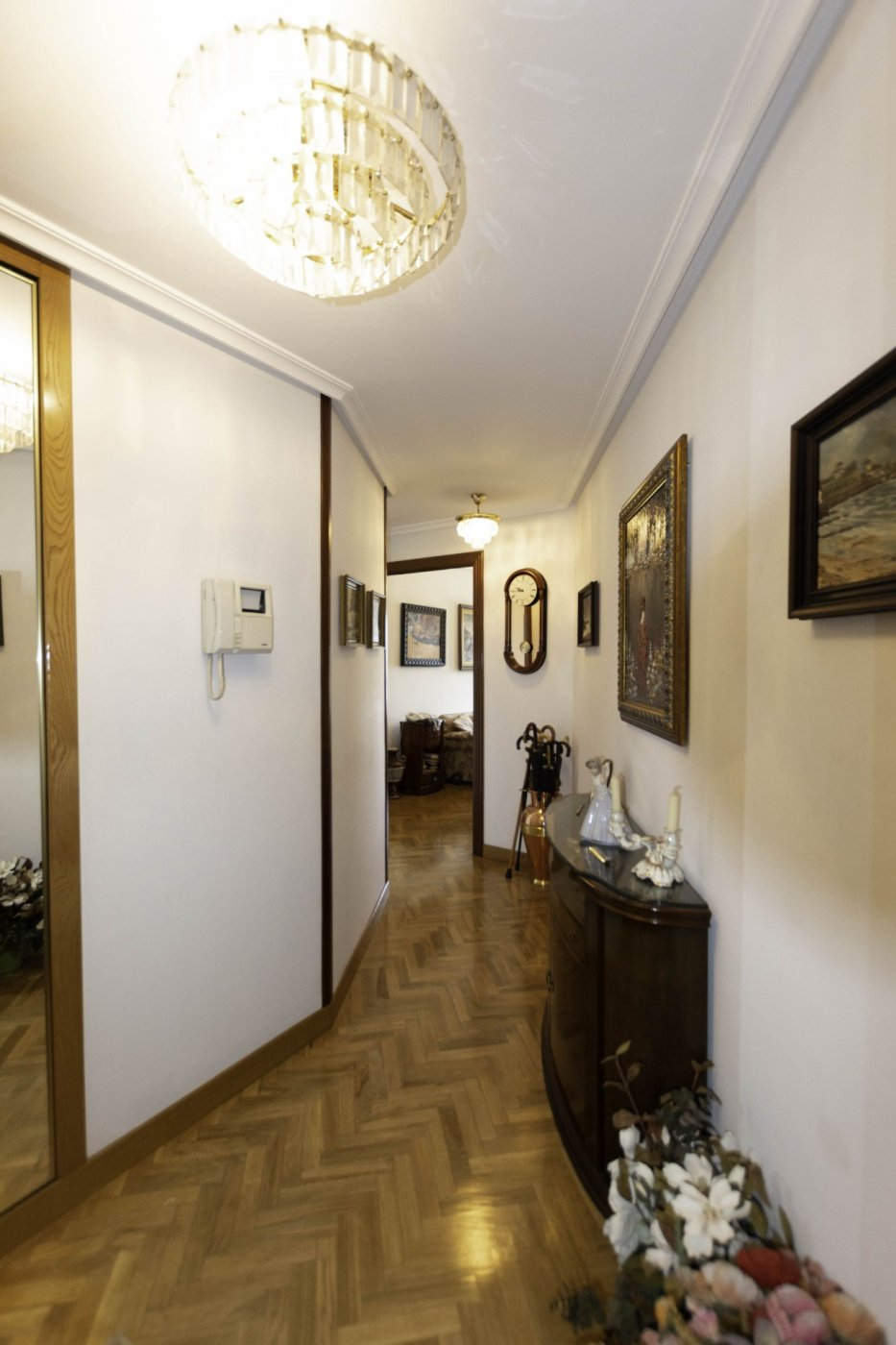 Tres habitaciones con garaje y trastero a dos minutos caminando de la calle uría. - imagenInmueble14