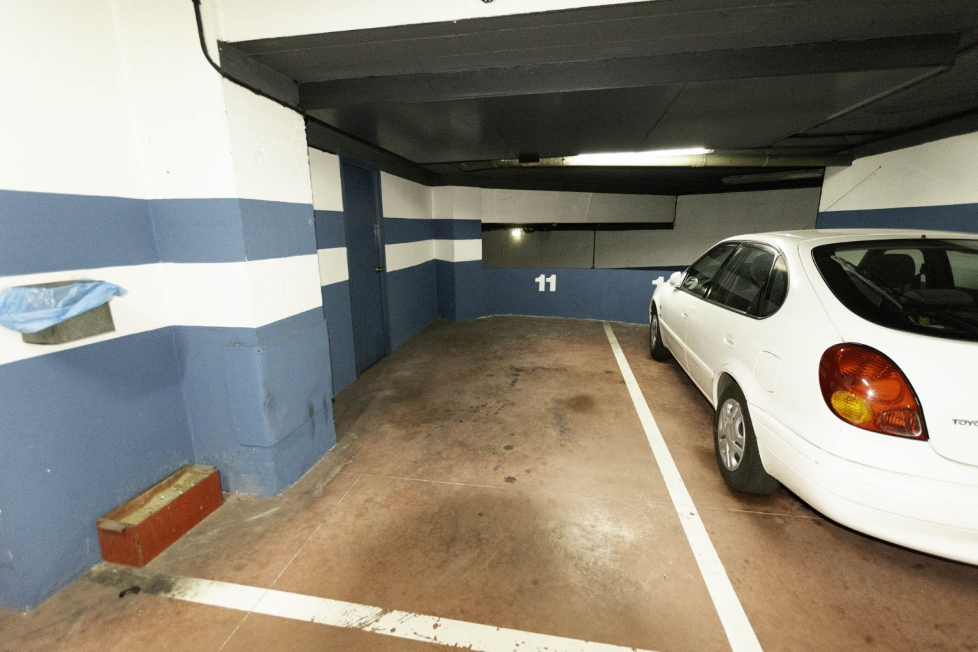 Tres habitaciones con garaje y trastero a dos minutos caminando de la calle uría. - imagenInmueble21