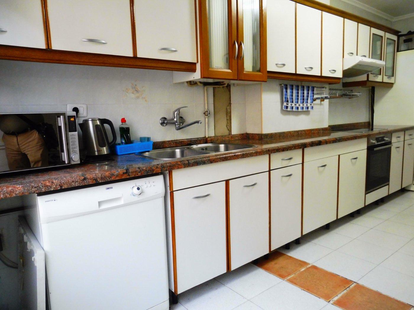 Amplio piso enfrente del centro de salud de perchera en nuevo gijón - imagenInmueble26