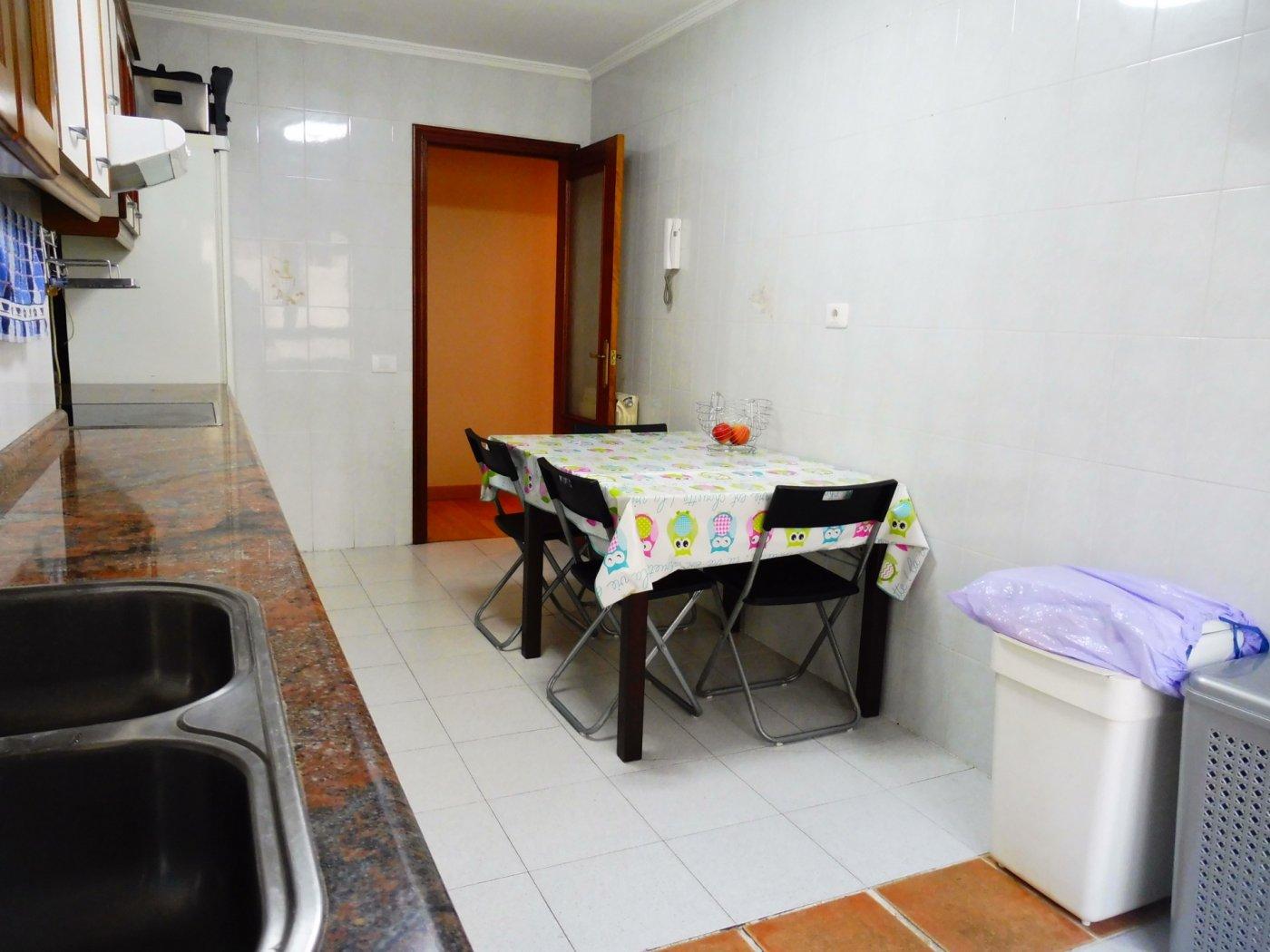Amplio piso enfrente del centro de salud de perchera en nuevo gijón - imagenInmueble27