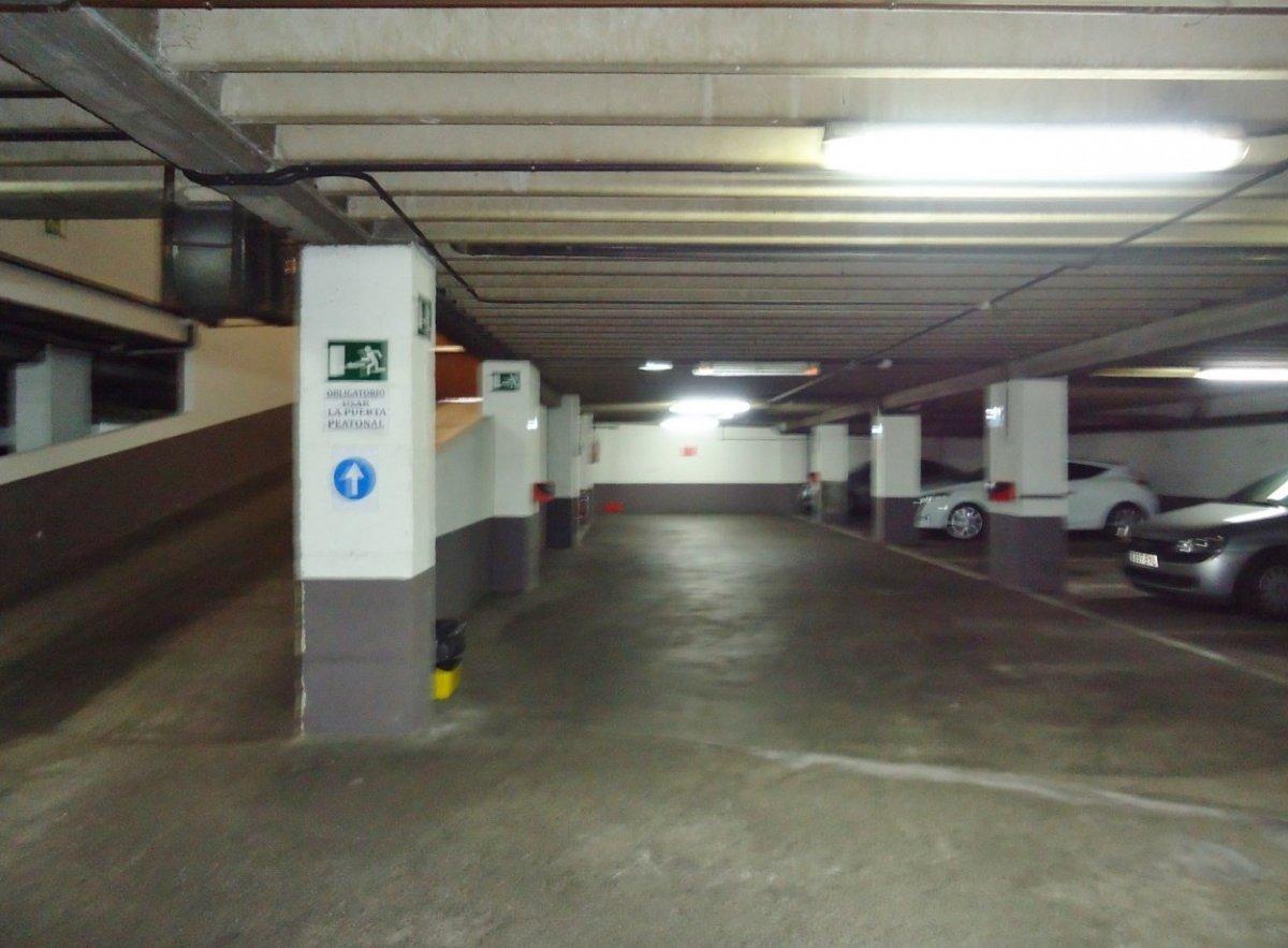 Plazas de garaje en edificio seminuevo en el llano - imagenInmueble9
