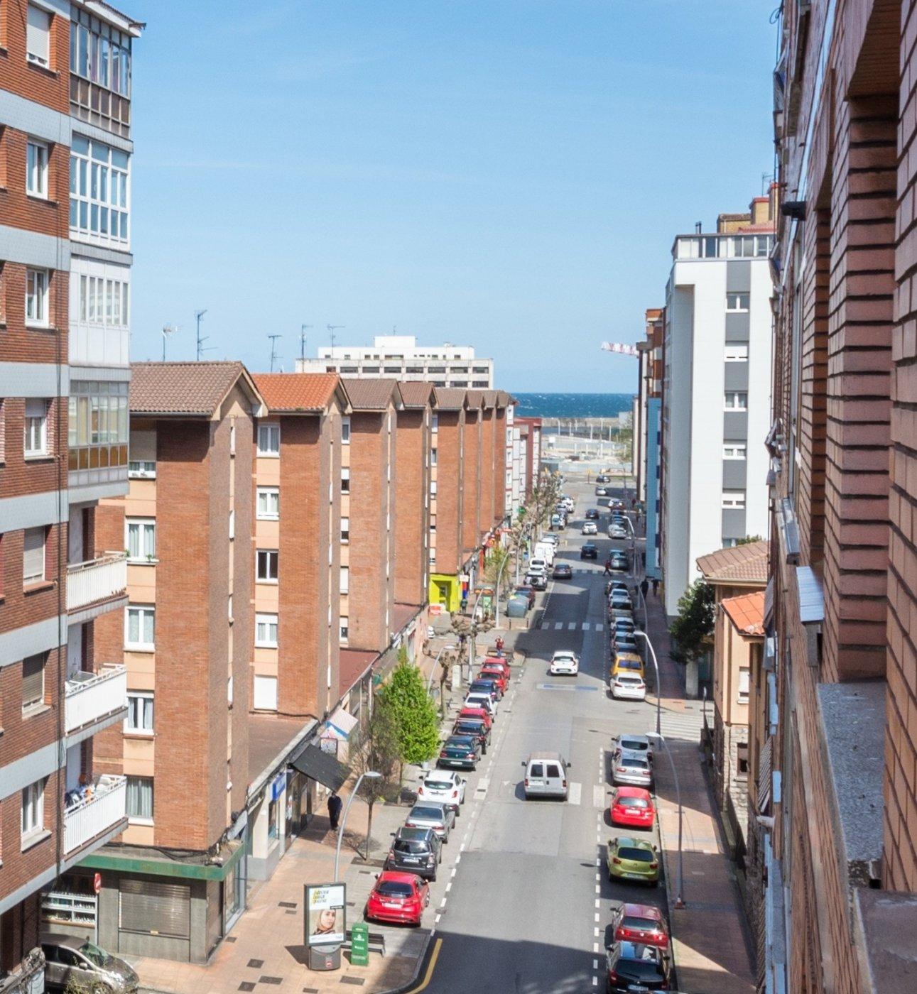 Misma calle brasil, estupenda distribución - imagenInmueble0