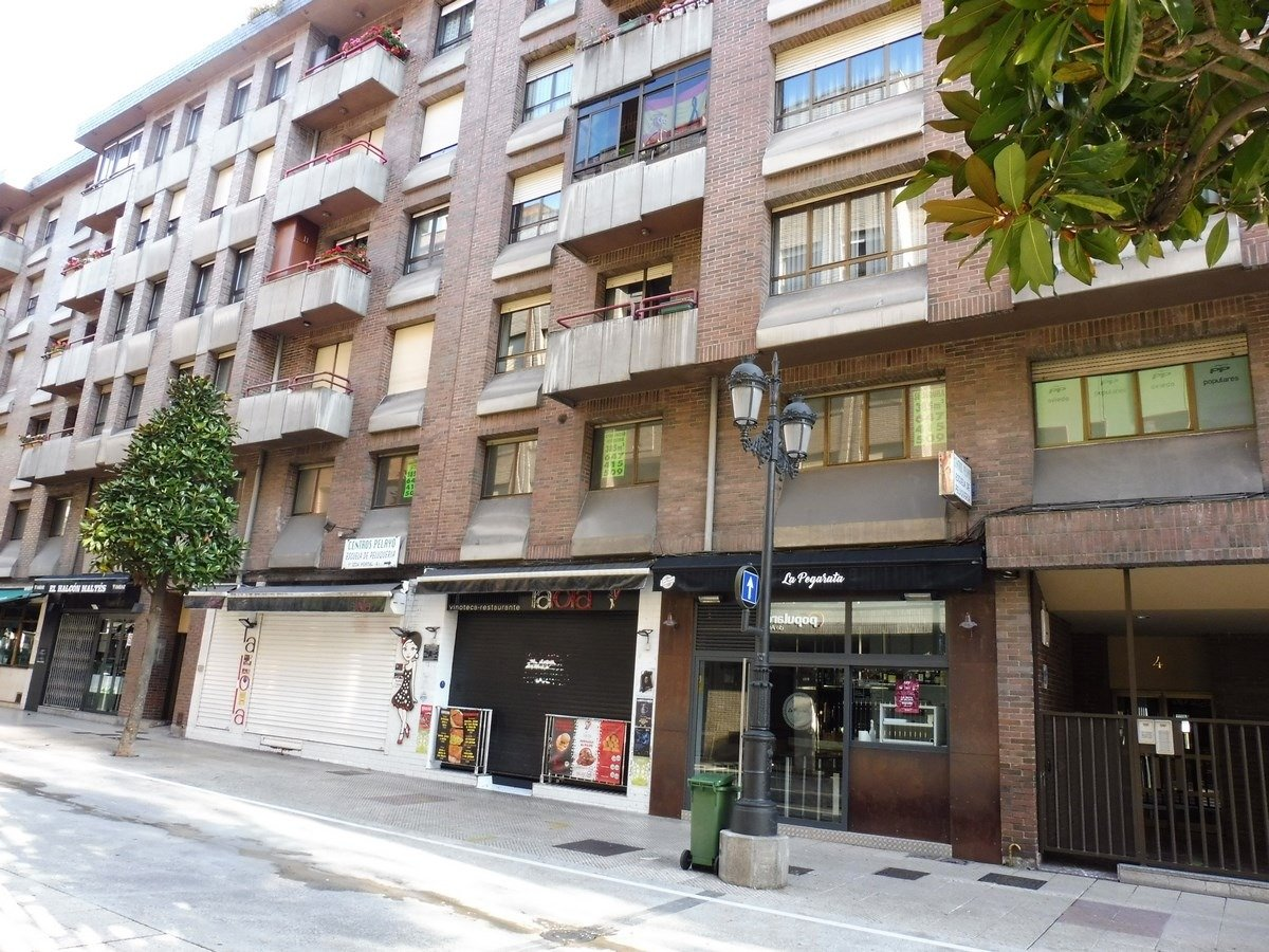 En el centro de oviedo planta de 353 m2 con cédula de habitabilidad para apartamentos - imagenInmueble2