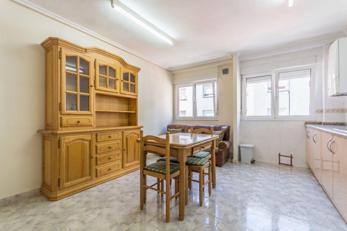 Piso de 3 dormitorios con garaje ideal para independizarte - imagenInmueble0