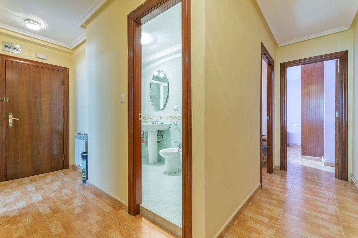 Piso de 3 dormitorios con garaje ideal para independizarte - imagenInmueble9