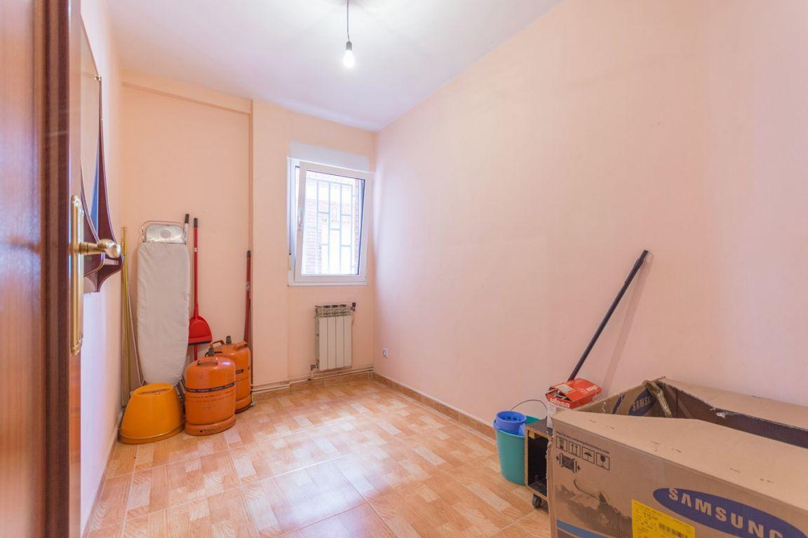 Piso de 3 dormitorios con garaje ideal para independizarte - imagenInmueble16