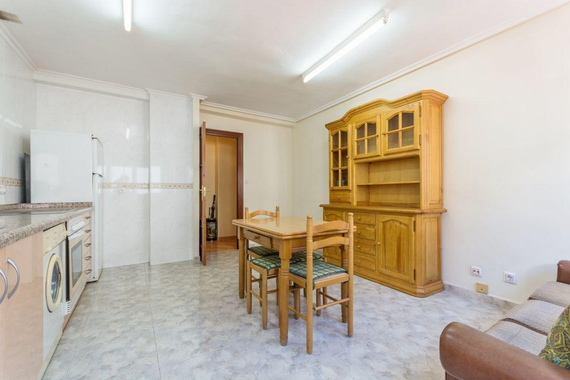 Piso de 3 dormitorios con garaje ideal para independizarte - imagenInmueble3