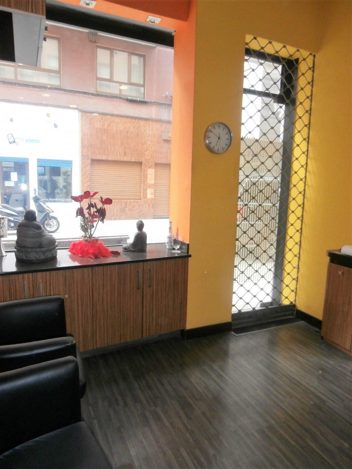 Local instalado como peluqueria - imagenInmueble15